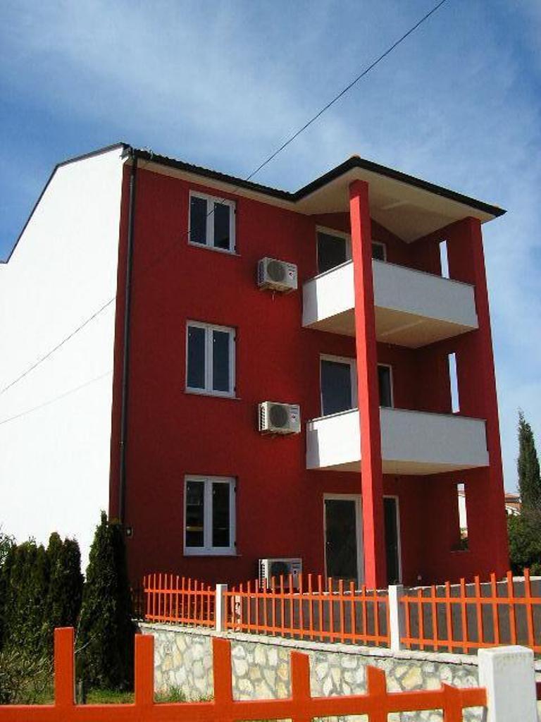 Апартаменты в поселке Штинян